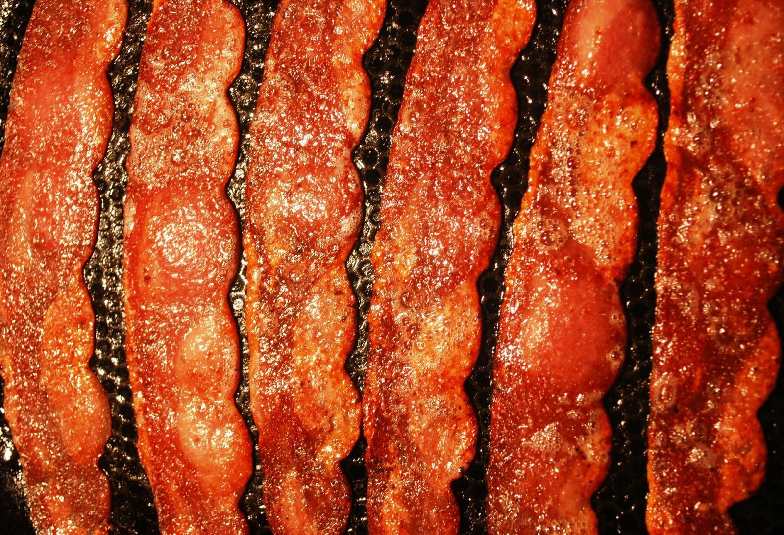 Frying bacon. Photo credit: Pixabay