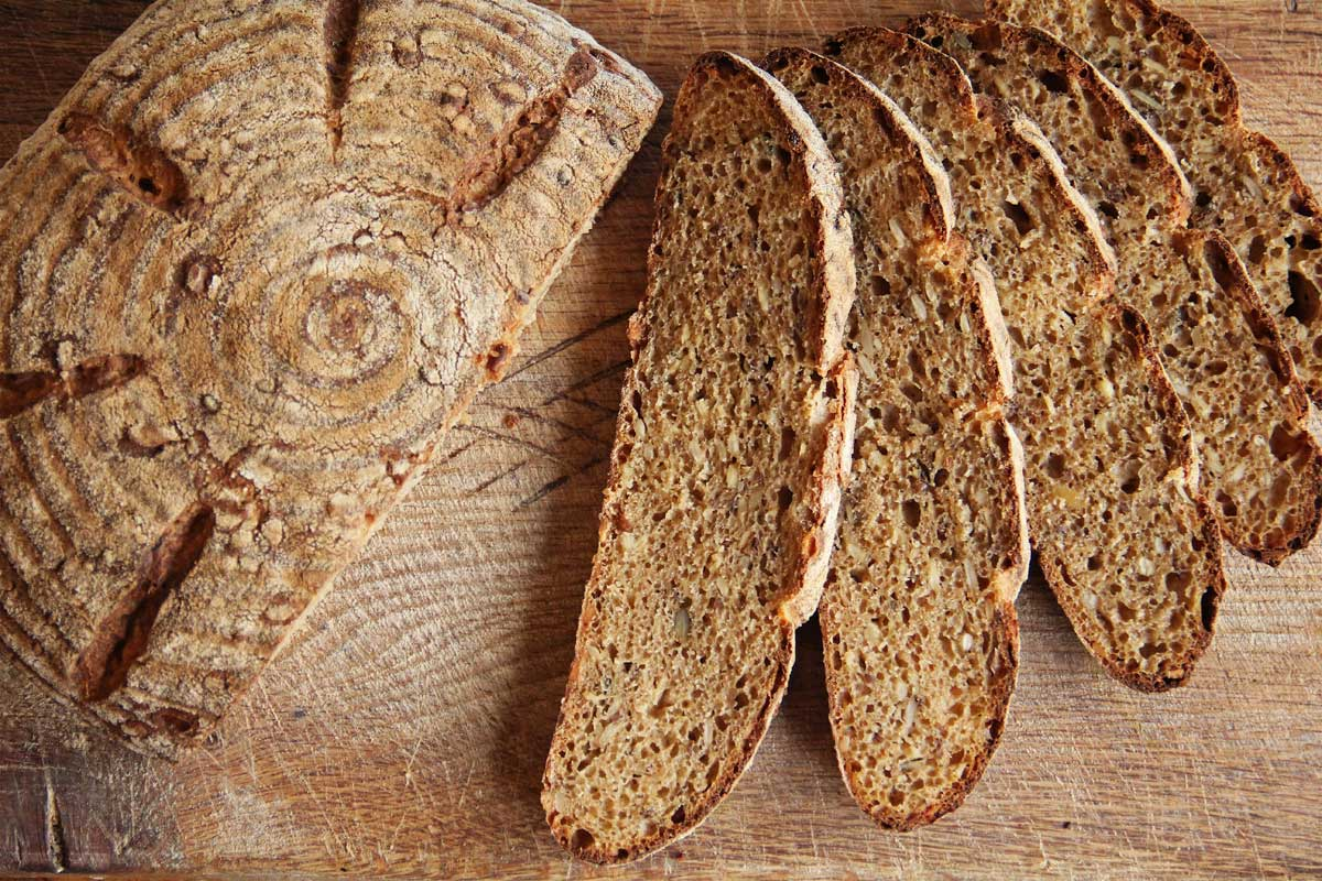 Einkorn loaves © Dragan Matijevic