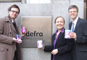 Campaigners deliver Whiska's cat food to Defra