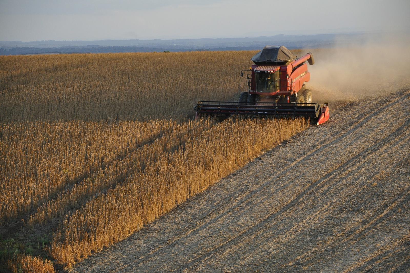 Soy harvest in Brazil. Photo credit: Pixabay