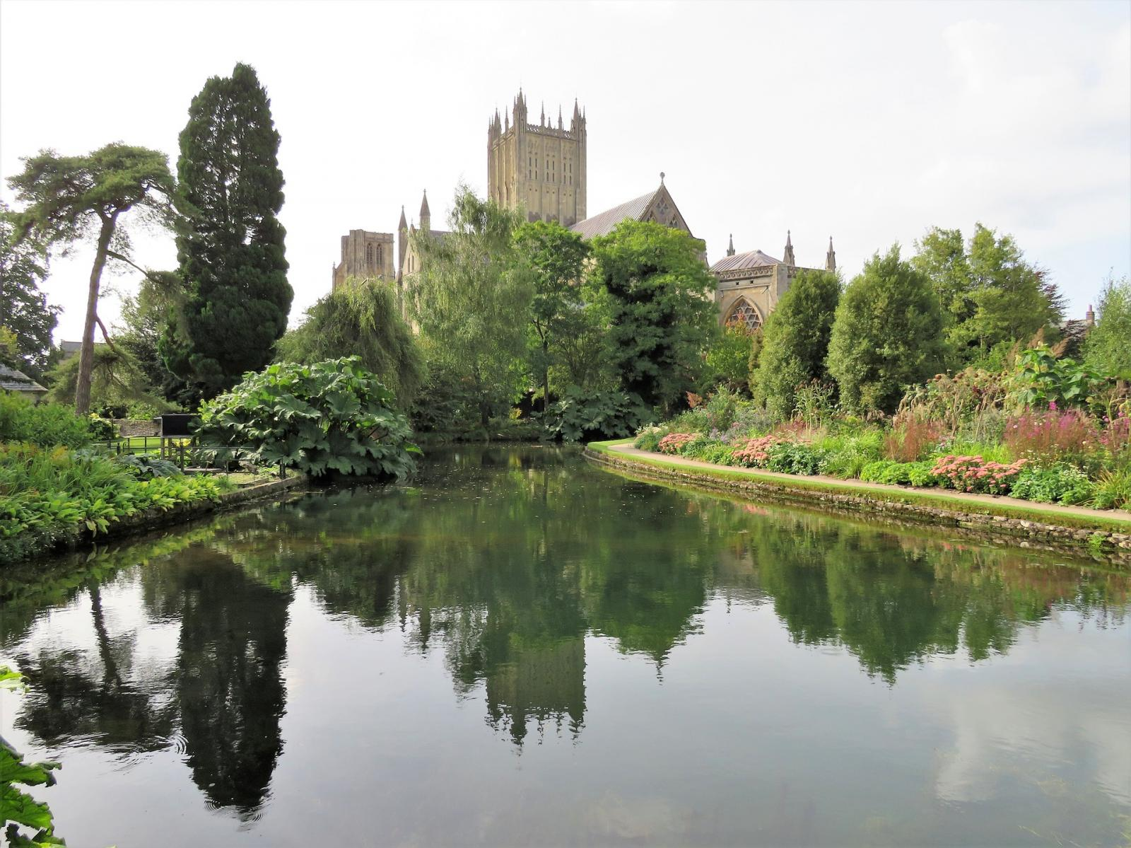 Wells Cathedral. Photo credit: pixabay
