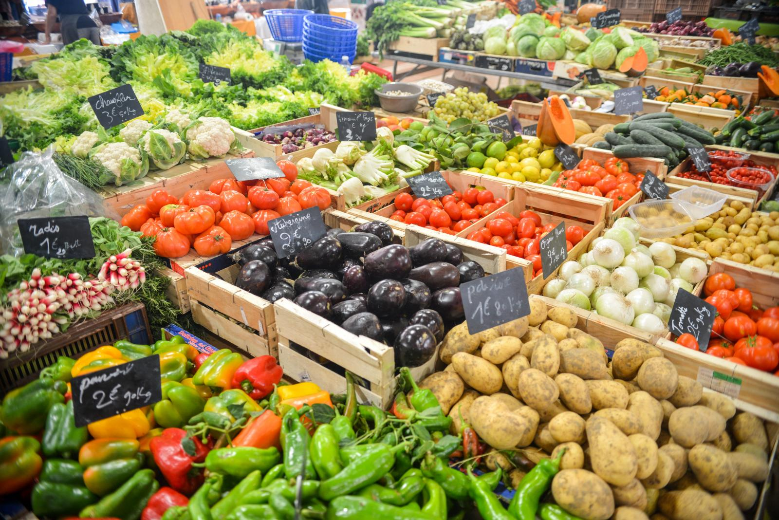Vegetables in a wholesale market. Photo credit: Pexels