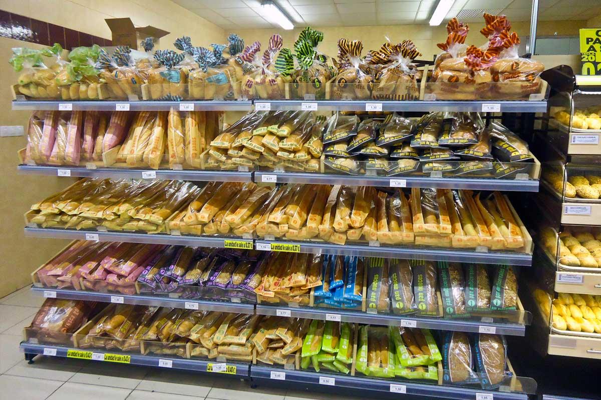 Spanish supermarket. Public domain