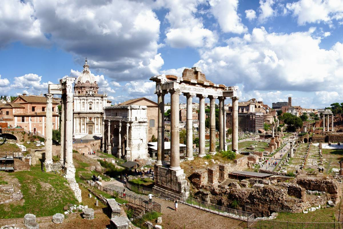 Roman Forum by Bert Kaufmann Creative Commons Attribution-Share Alike 2.0