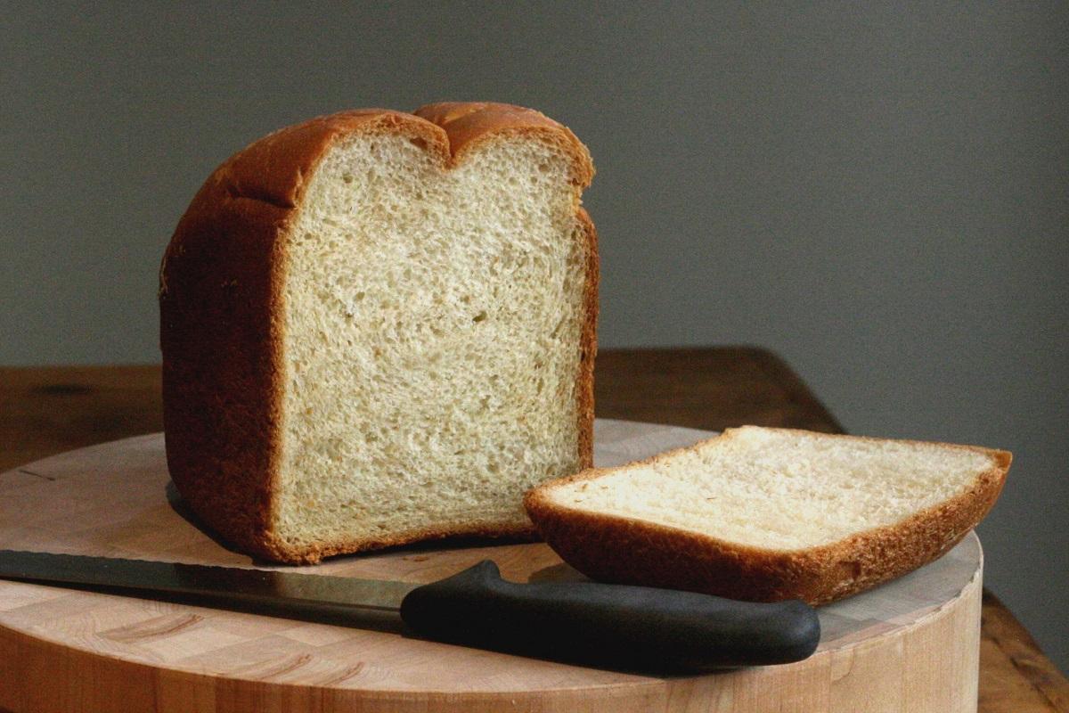 A bread machine loaf by  kae71463, CC BY 2.0