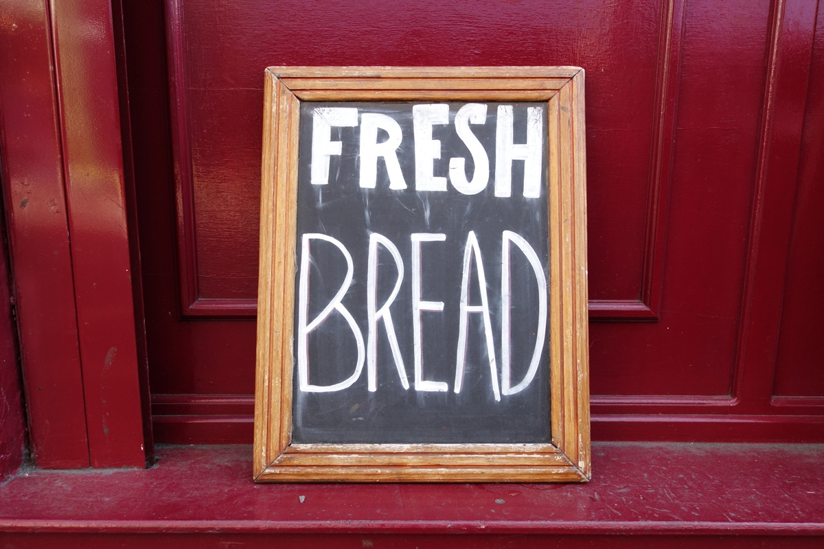 Freshly baked or recently faked? Photo: Chris Young / realbreadcampaign.org CC-BY-SA 4.0
