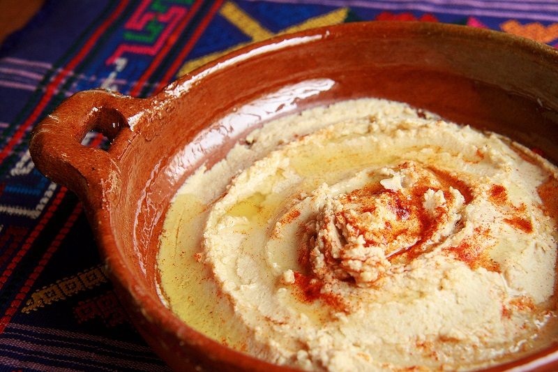 Hummus by Marco Verch (CC-BY-2.0)