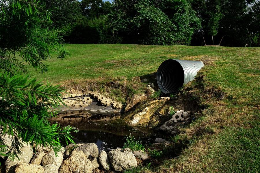 Sewage pipe. Photo credit: Pixabay