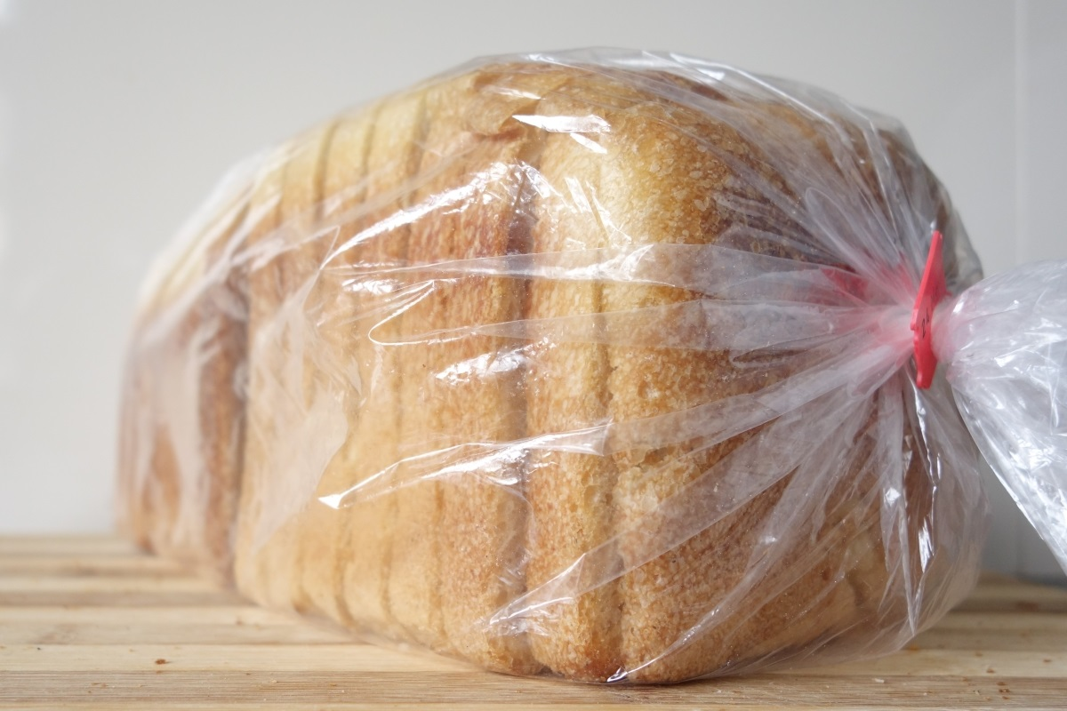 The shelf label says 'sourdough' but is it and what's in it? Photo: Chris Young / realbreadcampaign.org CC-BY-SA 4.0
