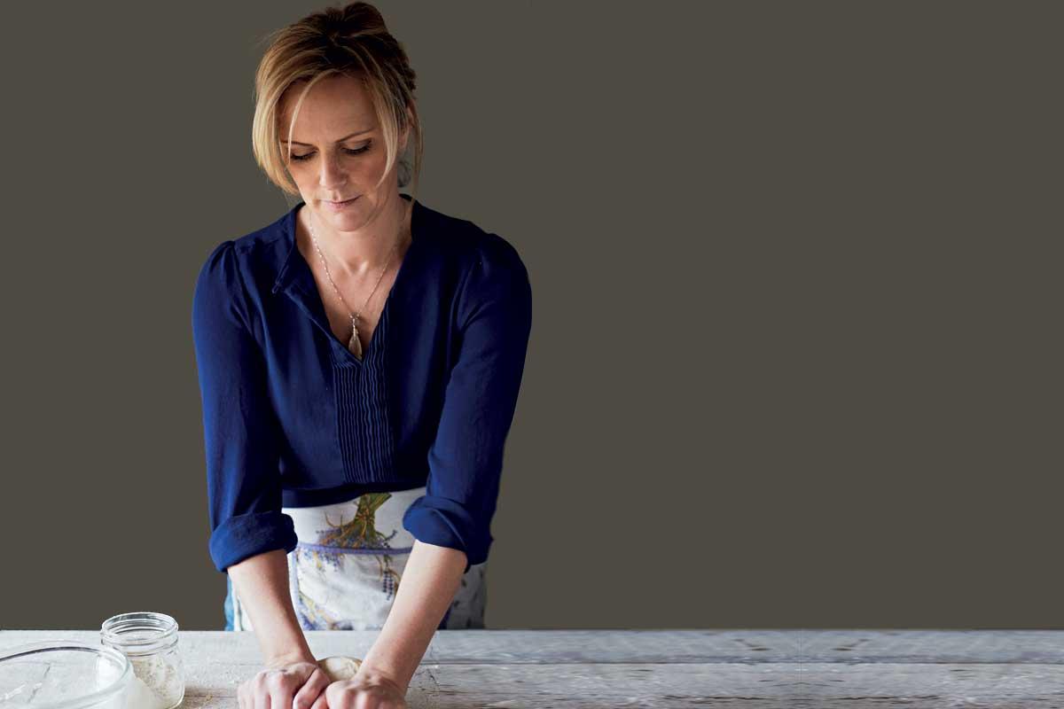 Julie Jones © Lisa Linder