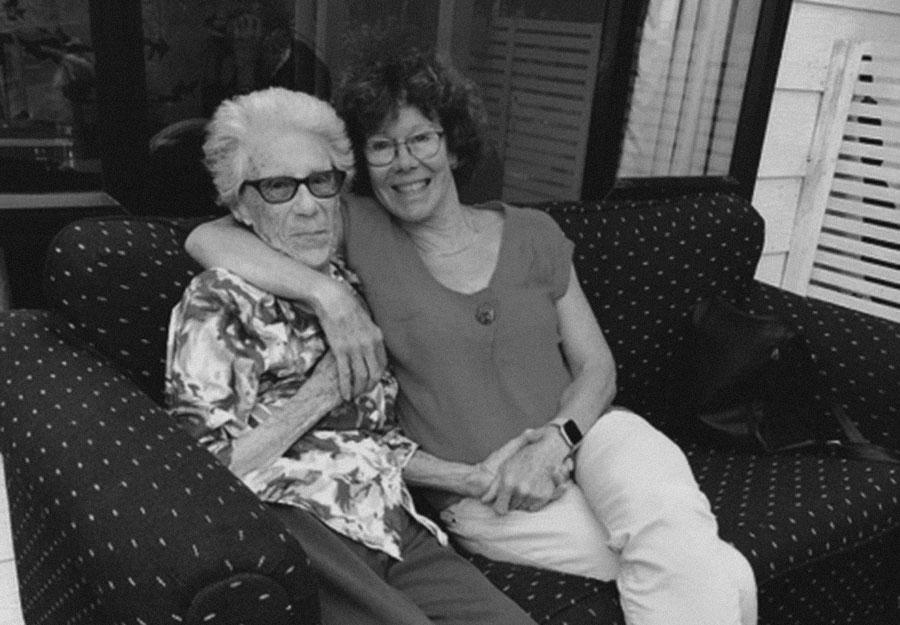 Photo With mum © Lindsey Horton